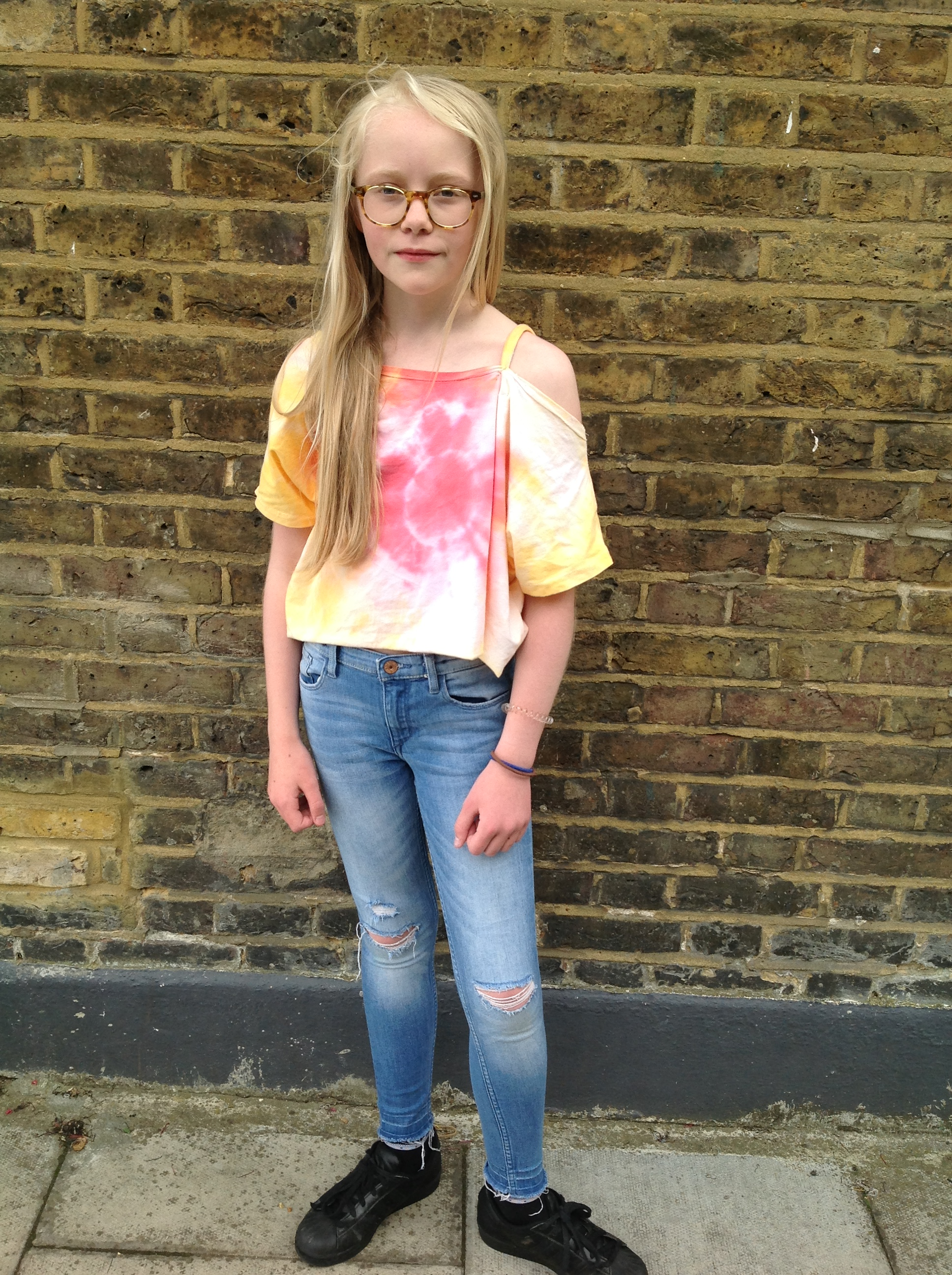 How to Tie Dye Festival Style | Little Hands Design Sewing